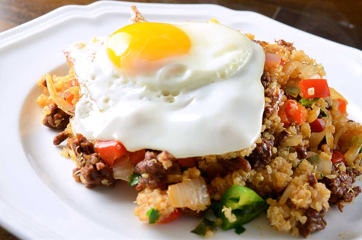 Quinoa with Fried Egg and Spinach